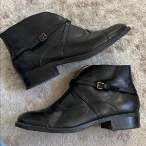 Isaac Mizrahi ankle boot with slim leather straps